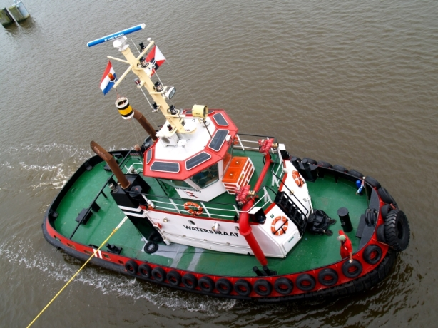 PIcture by JanWillem Zijlema via www.tugspotters.com