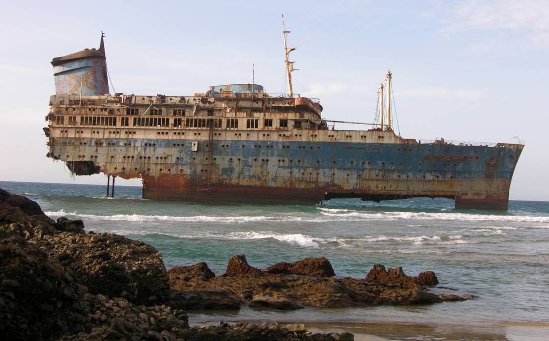 12 затонувших кораблей, на которые можно посмотреть без аква.
