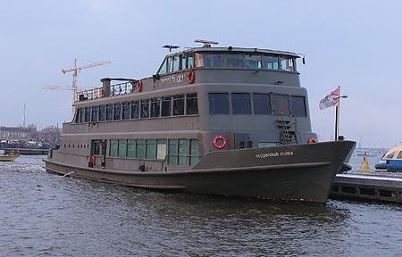 Posh inland party boats www uglyships com - Diva futura club ...