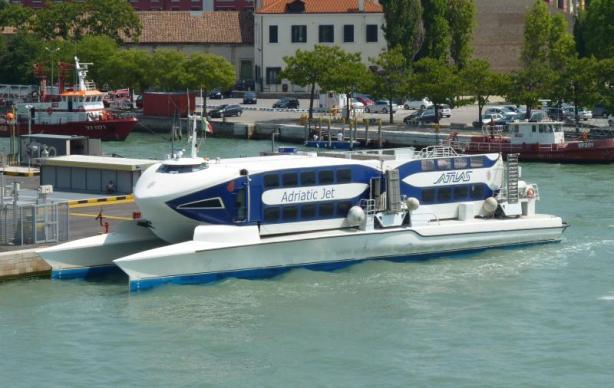 Picture by Sebastiaan Toufekoulas via www.shipspotting.com