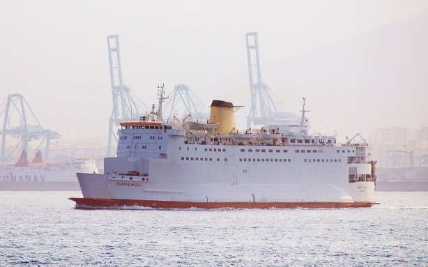 Picture by foggy via www.shipspotting.com